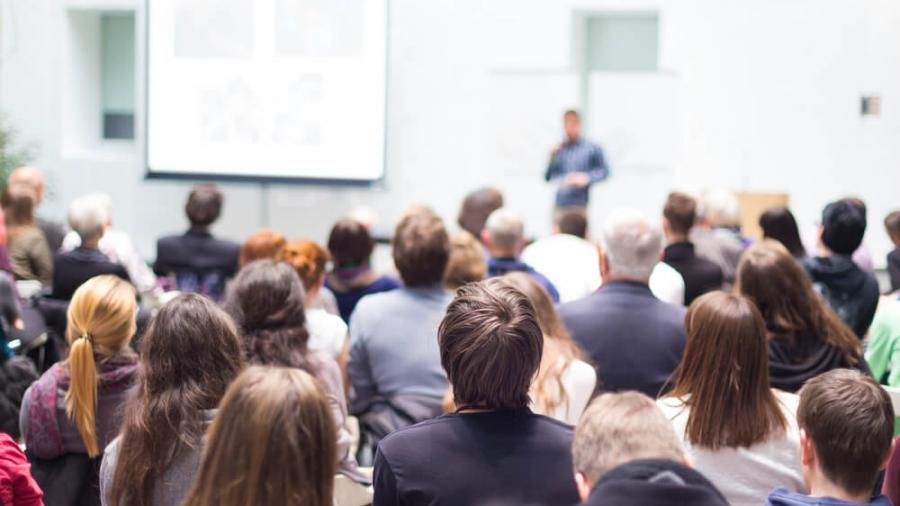 5_cosas_que_necesitas_si_vas_a_organizar_un_evento_para_tu_empresa